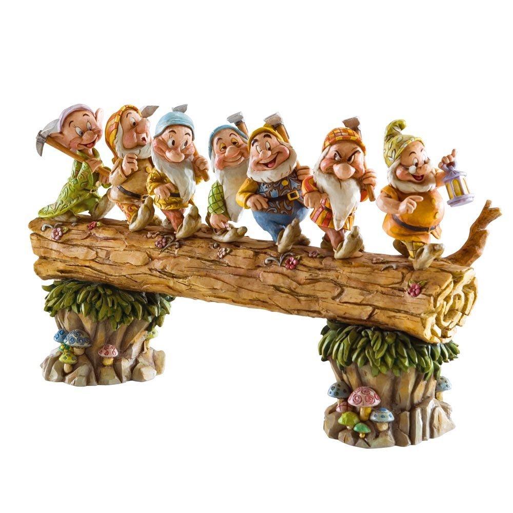 figurine disney en bois