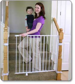 Exceptional Regalo Extra Tall Top Of Stairs Gate Product Shot